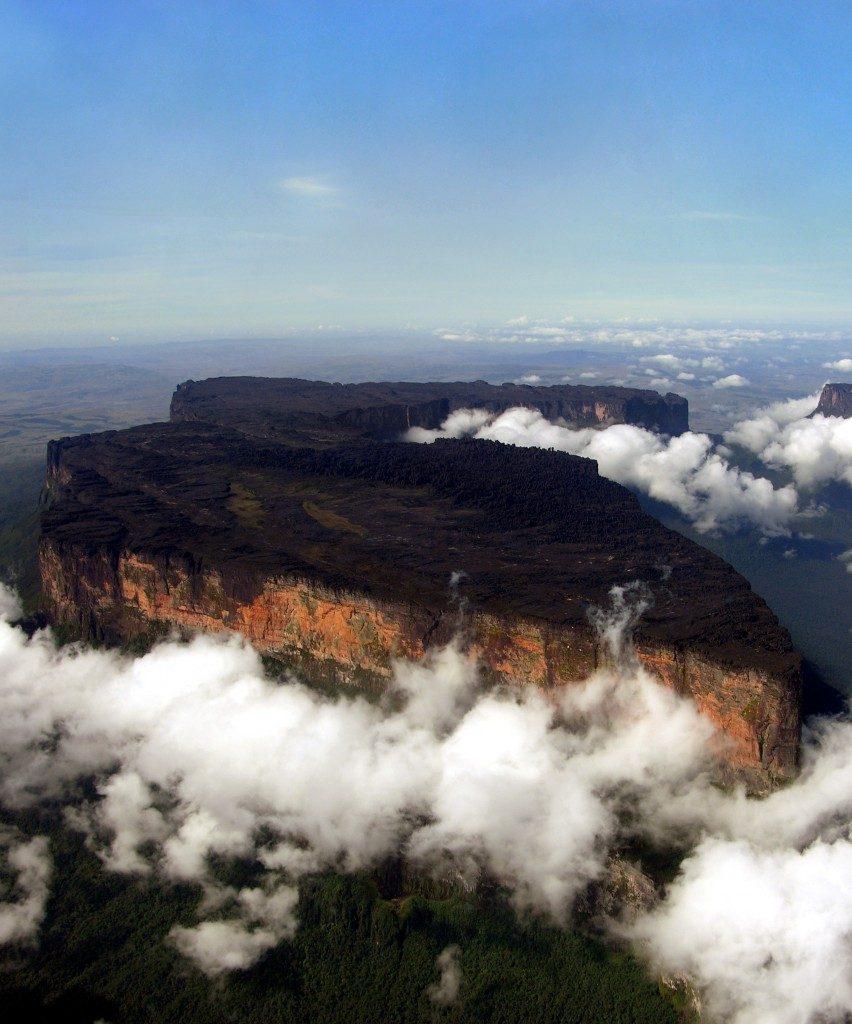 Roraima kalno skardžių platybės